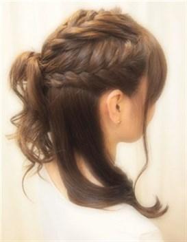 モテる髪型 セミロング ハーフアップ3