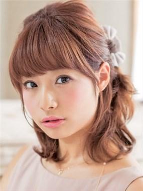モテる髪型 セミロング ハーフアップ2